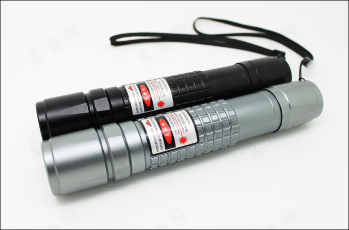 Powerful 100mw-200mW focusable green laser pointer flashlight